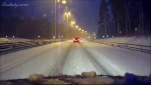 Świąteczne piosenki - Driving Home For Christmas